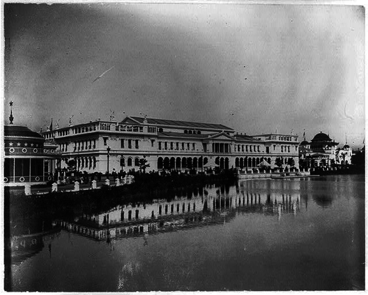 Woman 27s building 2c world columbian exposition 2c chicago 2c ill. view from across water.  2c ca. 1893. photograph. retrieved from the library of congress